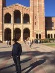 Devant le département de Français et d'Etudes Francophones à UCLA